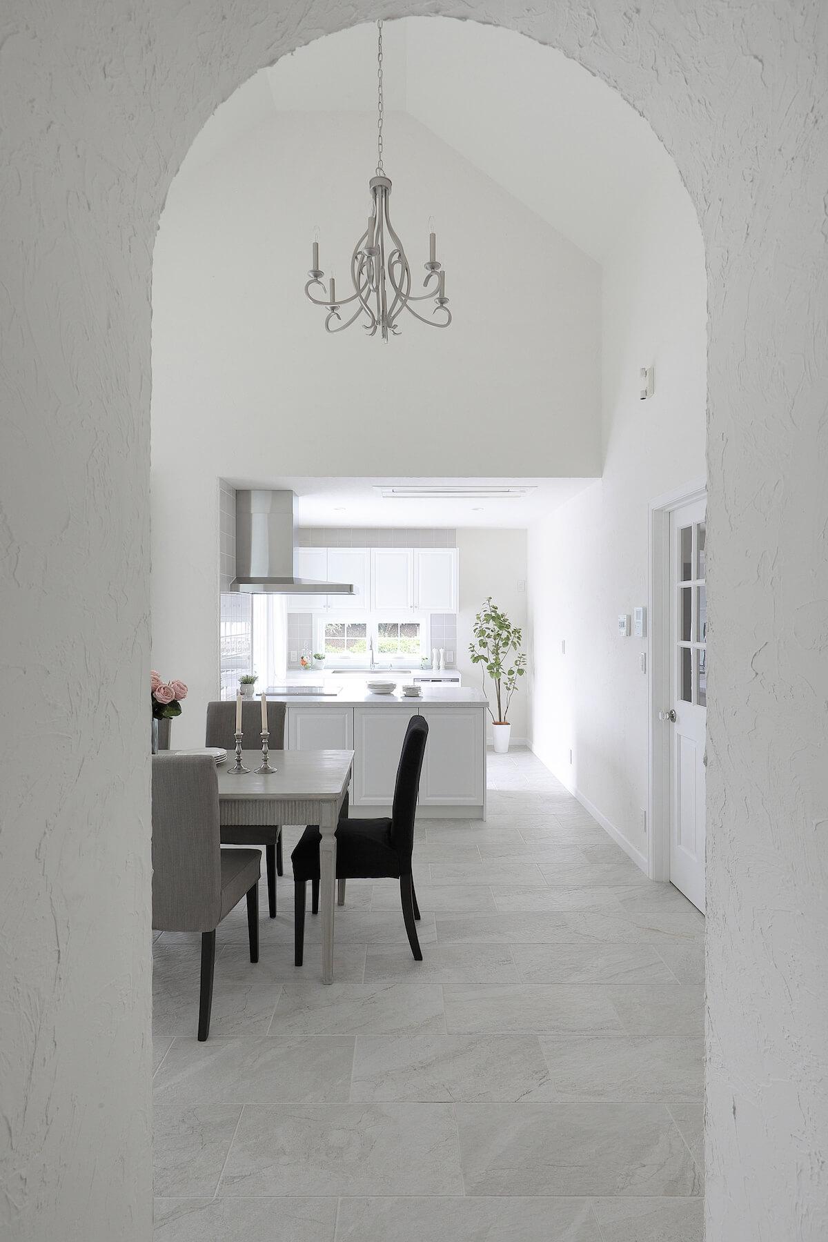白い家 塗り壁の注文住宅 群馬