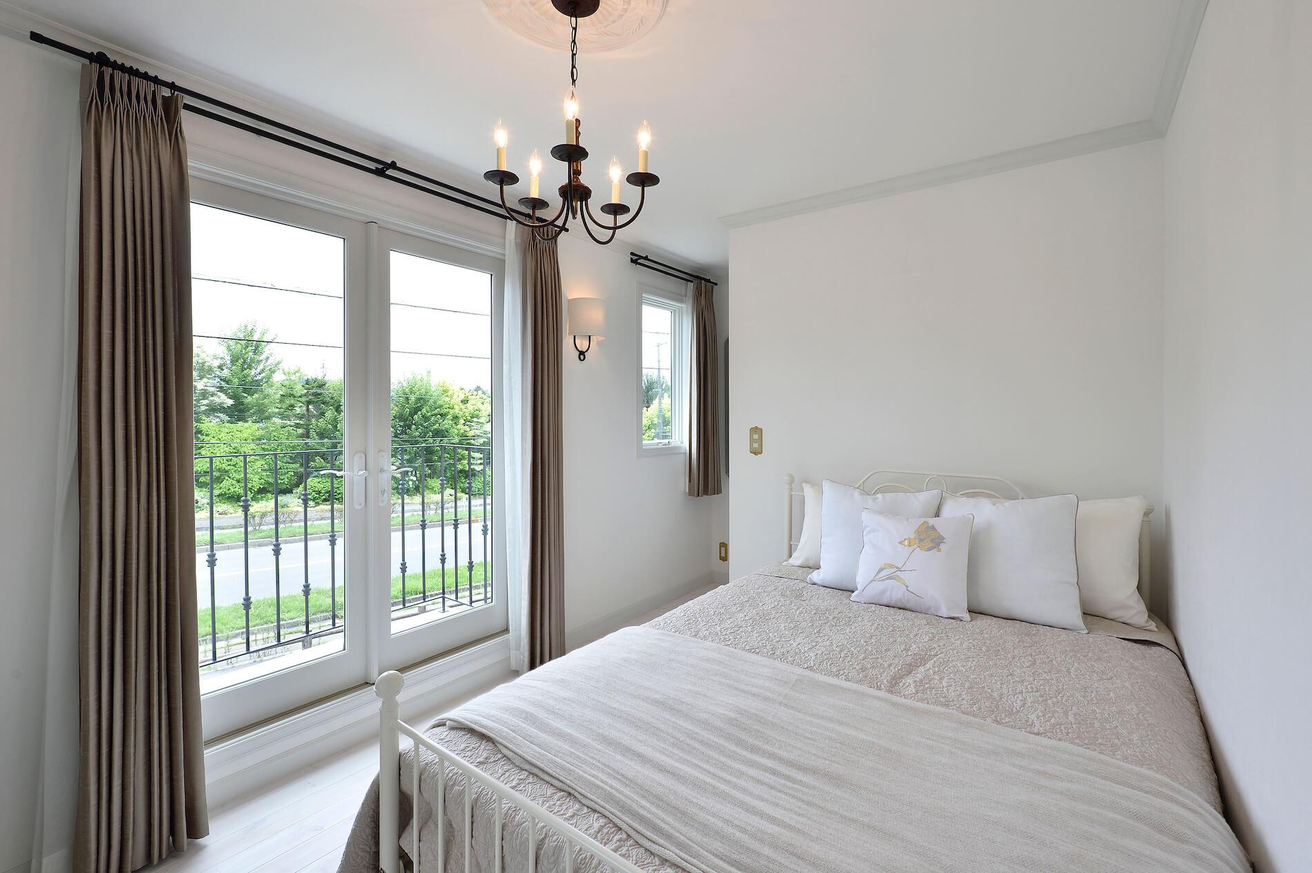 パリアパルトマン 輸入住宅の寝室